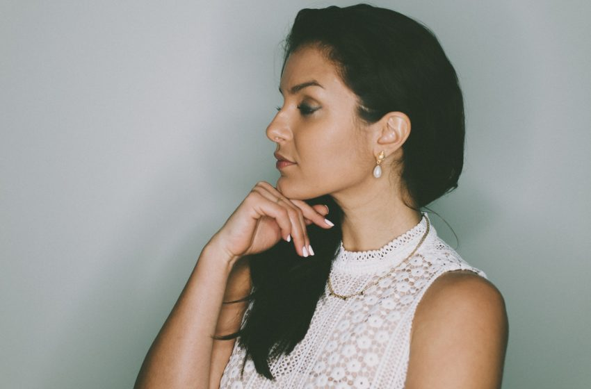 Thatja Andrade Helps Women Build an Influential Personal Brand Online and Step Into Feminine Magnetism